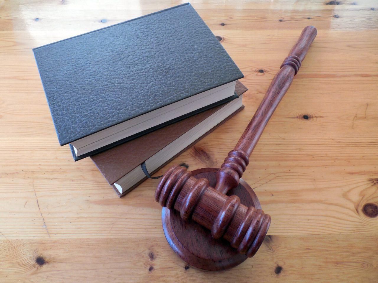 https://cdn.webupgrade.com/5f97605773dc770f19689897/wp-content/uploads/sites/21/2021/03/employment-attorney-1280x960.jpeg
